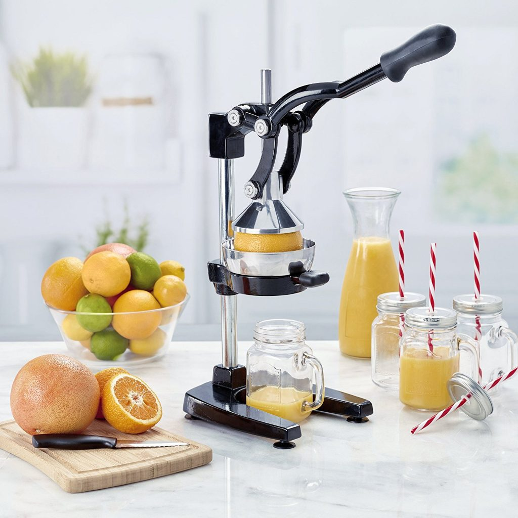 top 16 best orange juicer machine reviews 2018 b4bestreviews. Black Bedroom Furniture Sets. Home Design Ideas