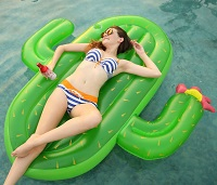 Vickea Large Outdoor Swimming Inflatable